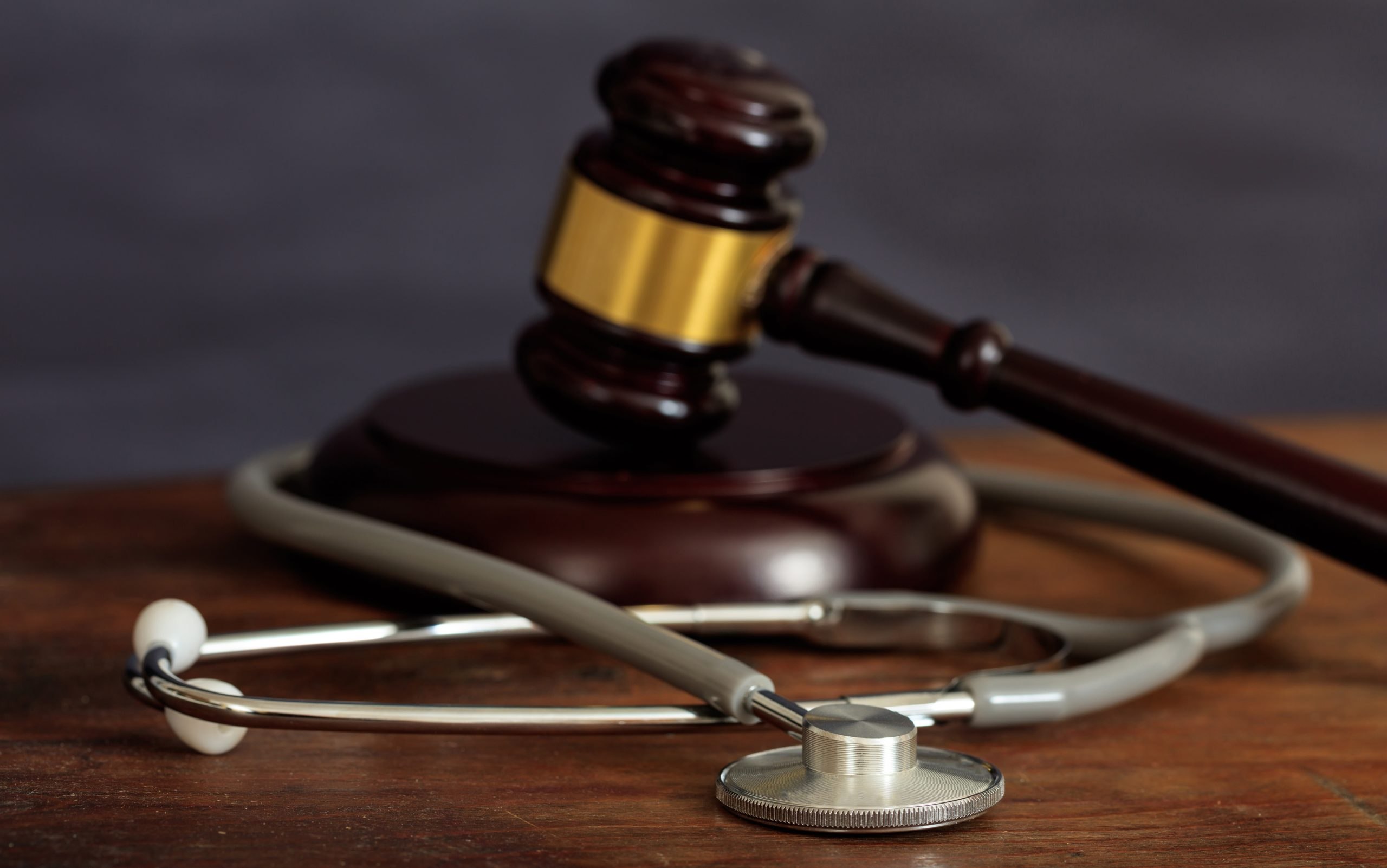 When Do I Need a Medical Malpractice Lawyer?